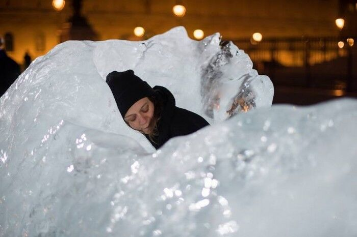 Olafur Eliasson, Ice Watch, 2014, Place du Panthéon, Paris, 2015, Photo: Martin Argyroglo.